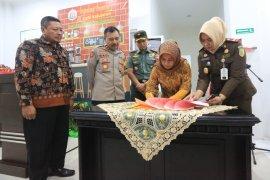 Wali Kota Mojokerto resmikan Cafe Kejujuran Kejaksaan Negeri