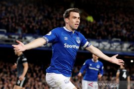 Everton tundukkan Burnley 2-0