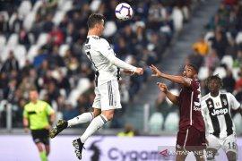 Juventus imbangi Torino sehingga tercegah masuk empat besar