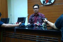 KPK geledah ruang anggota DPR  Muhammad Nasir