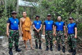 Personel TNI Koramil 413-06 Sungailiat pantau kawasan hutan lindung