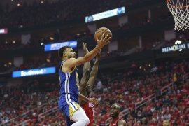 Curry siap turun pada game 4 lawan Rockets