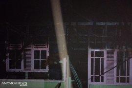 Seorang warga Sukabumi terjebak dalam rumah tewas terbakar