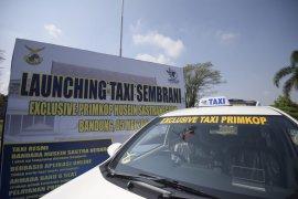 Pemprov Jabar dan Pemkot Bandung luncurkan 50 taksi daring di Bandara Husein
