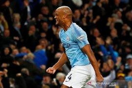 Kompany antar City tundukkan Leicester dan puncaki klasemen sementara