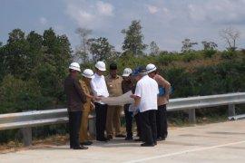 Presiden Jokowi tinjau calon Ibu kota RI kawasan Bukit Soeharto di  Kaltim