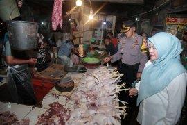 Bupati Pandeglang ingatkan pedagang supaya tidak ambil barang dari agen nakal