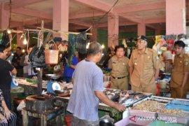 Hari kedua Ramadhan, harga ayam di Sintang capai Rp40.000 per kilogram