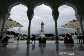 Ngabuburit di Masjid Raya Baiturrahman