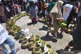 Pertamina bersama Disperindag Mukomuko gelar operasi pasar gas bersubsidi
