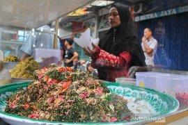 Penganan khas Aceh sambal oen peugaga