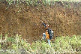 Pergeseran tanah di Sukabumi makin parah