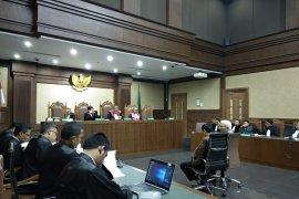 Terbukti melakukan suap, bendahara KONI dituntut 2 tahun penjara