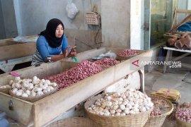 Harga bawang putih di Jember perlahan-lahan turun