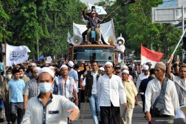 1.500 polisi jaga aksi damai pendukung Prabowo-Sandiaga di Medan