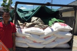 Polres Sambas amankan gula dari Malaysia