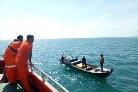 Tiga korban pompong TKI tenggelam di perairan Batam belum ditemukan