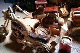 Komunitas desa  wisata  Muarojambi produksi 270 item souvenir