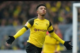 Jadon Sancho tolak tawaran MU demi bertahan di Dortmund