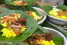 Nasi kuning jadi primadona Banyu Pinaruh