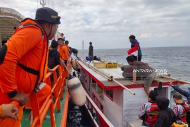 Basarnas  selamatkan 15 awak kapal nelayan di Kupang