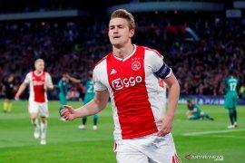 Tanggapan Matthijs de Ligt terkait rumor transfer ke Barcelona dan  MU