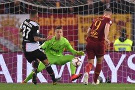 Roma hidupkan harapan Liga Champions dengan bungkam Juventus