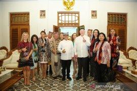 Biro perjalanan AS jajaki kerja sama dengan pelaku wisata Banyuwangi