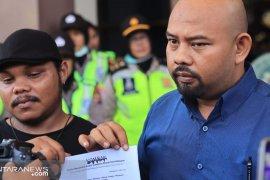 Kompak gugat Wali Kota hingga Menteri KKP terkait tumpahan minyak
