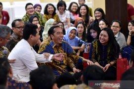 Saat Jokowi dengarkan kisah suka duka wartawan istana
