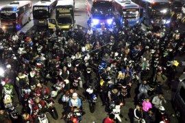Dishub Banten minta pemudik patuhi imbauan ganjil genap di Pelabuhan Merak
