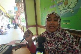 SMAN 1 Sukadana bantah larangan siswa ikut ulangan