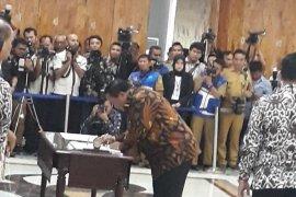 Wali Kota Sibolga teken MoU dengan KPK terkait pemberantasan korupsi di Sumut