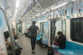 MRT beroperasi normal meski dua pintu masuk ditutup