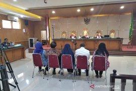 Neneng Hasanah minta diringankan hukumannya karena masih urus anak