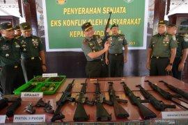 Kodam Iskandar Muda terima penyerahan 12 senjata api sisa konflik Aceh