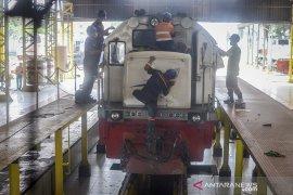 Perawatan lokomotif kereta api