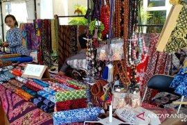 Banyuwangi promosikan batik lewat bazar