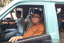 Bupati Aceh Barat naik angkot untuk hadiri acara Kemendagri