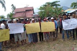 Puluhan simpatisan Partai Golkar datangi KPU Singkawang