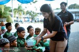 PT Angkasa Pura I bagikan 550 paket Lebaran