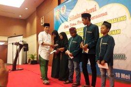 KONI Tabalong, IMI South Kalimantan share with orphanage
