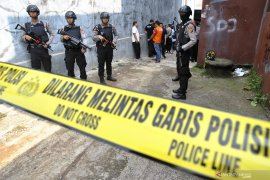 Densus 88 tangkap dua teduga teroris di Jatim