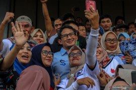 Sandiaga Uno minta pendukungnya menunggu hasil pemilu