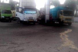 Puluhan truk kepung SPBU Jambi setiap pagi, sebagian pilih menginap