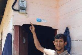 13 rumah di pedalaman Sikundo mulai nikmati aliran listrik
