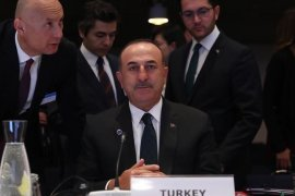 Turki serukan penahanan diri setelah serangan pipa minyak Saudi