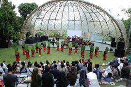 Kesenian gandrung digelar setiap bulan di Festival Lembah Ijen Banyuwangi