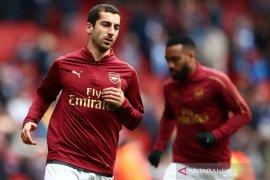 Roma pinjam pemain Arsenal