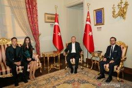 Wah, Pernikahan Ozil dihadiri Presiden Erdogan